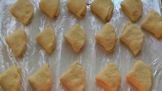 Выпекаем печенье из творога треугольники