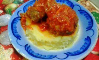 Тефтели в томатном соусе на сковороде рецепт