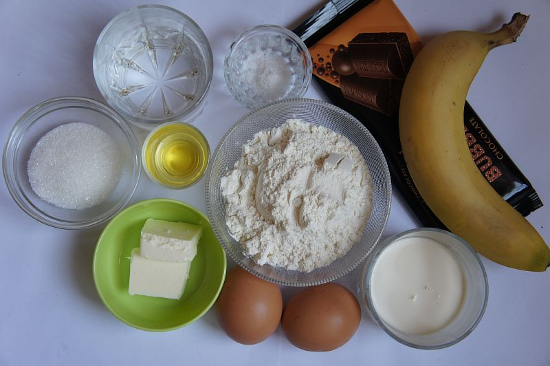Ингредиенты для блинов с шоколадом и бананами