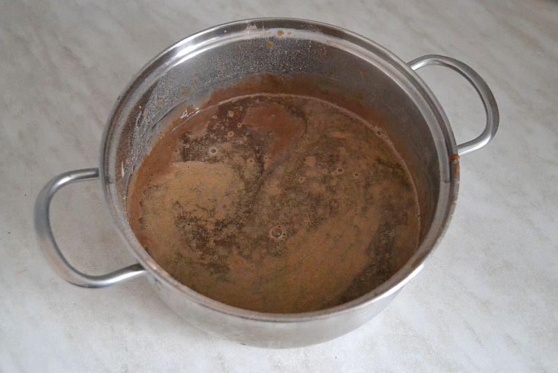 Вливаем горячий кофе