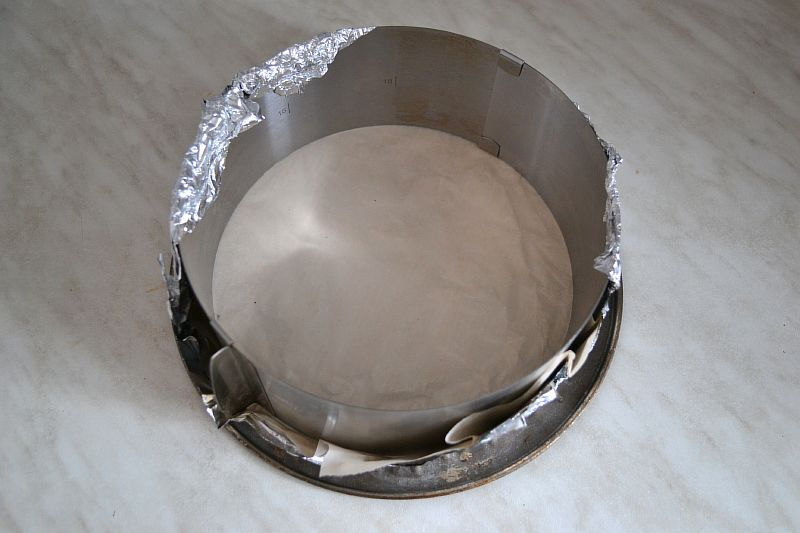Готовим форму для выпечки бисквита