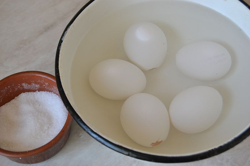 Промываем яйца