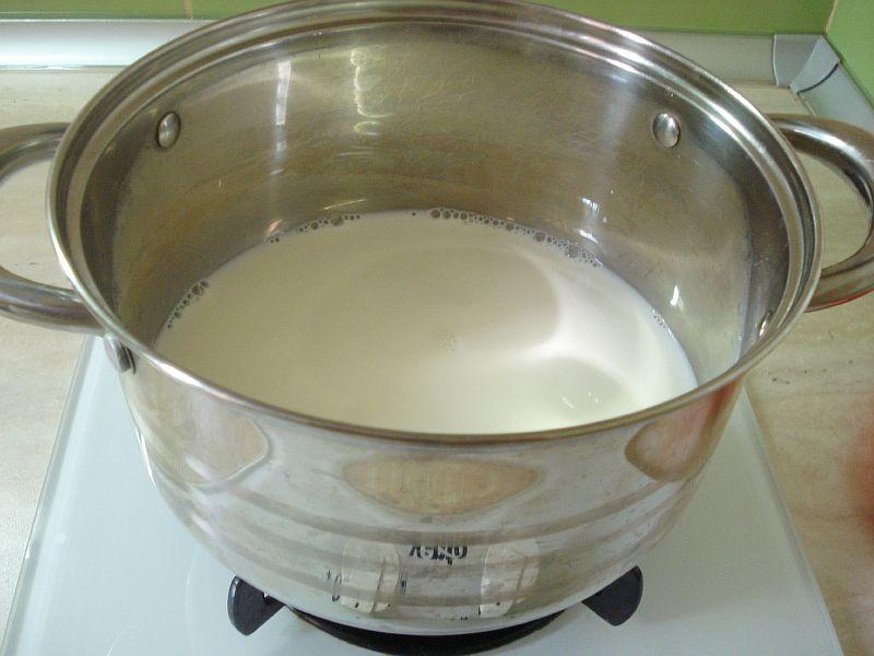 Греем молоко