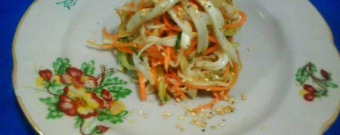 Салат из овощей с кальмарами по-корейски
